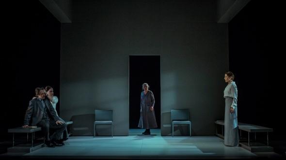 casa-de-nines-20-anys-despres-teatre-romea-barcelona15