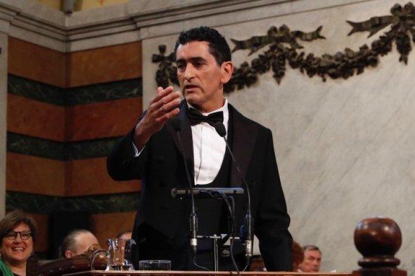 Juan_Mayorga_en_el_atril_3_web
